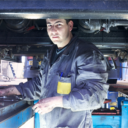 AUR31116 – Certificate III in Heavy Commercial Vehicle Mechanical Technology